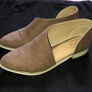 Shoes - JG brand Open Side flat Slip-on Booties